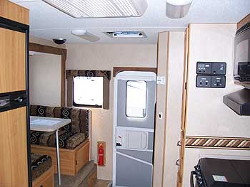 Lance 861 Truck Camper